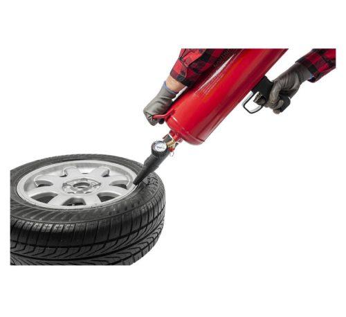 gonfleur de pneu portatif 16L bout mise en situation